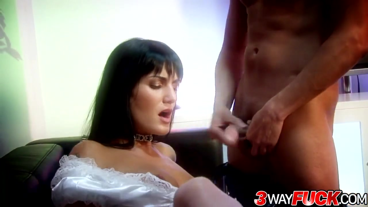 Newest Girl In Porn Has A Jaw-Dropping Ass jaw-dropping maid sarah twain offers both of her crevasses