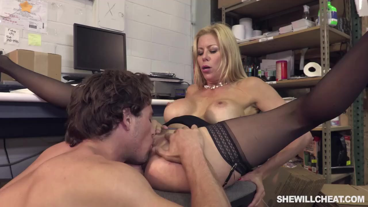 Pregnant Pussy Fucked Squirt